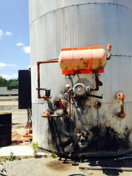 VERTICAL 15,000 GALLON ELECTRIC AC TANK W/ UNLOADING PUMP (2 of 5)